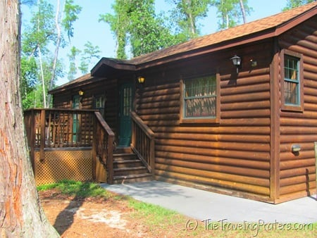 Inside the cabins at disney 39 s fort wilderness resort and for Fort wilderness cabins reservations