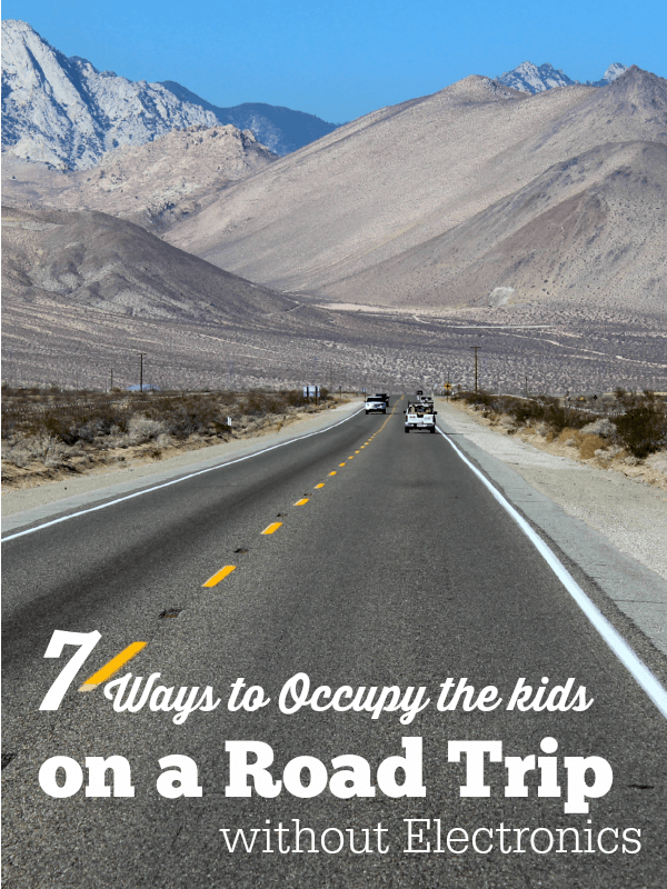 Do you want your kids to remember more about your vacation than what movie was playing in the DVD? Here are 7 Ways to Occupy the Kids on Road Trips without Electronics.