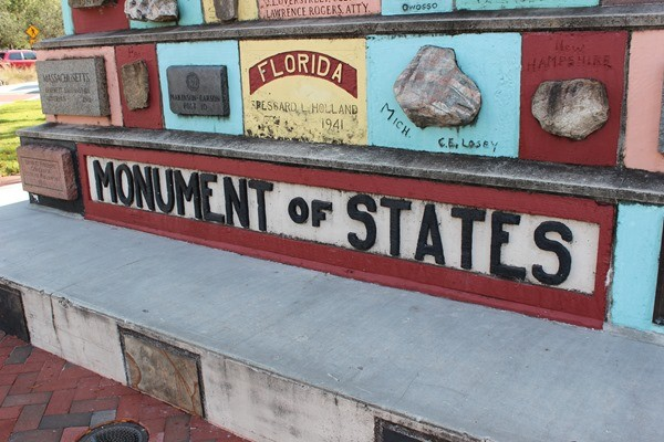 Monument of the States