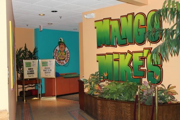 Mango Mikes in Castaway Bay Indoor Waterpark