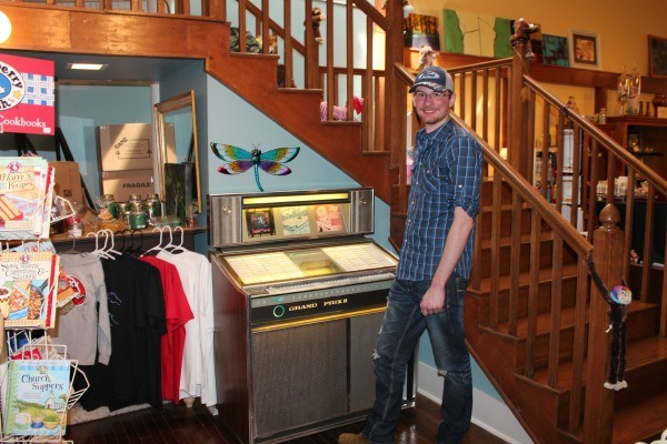 Working Jukebox in Candle Makers on the Square in Downtown Bowling Green, Kentucky