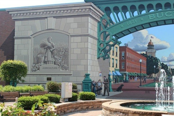 Bridging Agriculture and Industry in the Great American Crossroads mural in Bucyrus