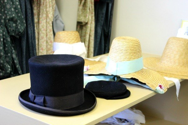 Dress up in period garb at the Roscoe Village Visitor Center