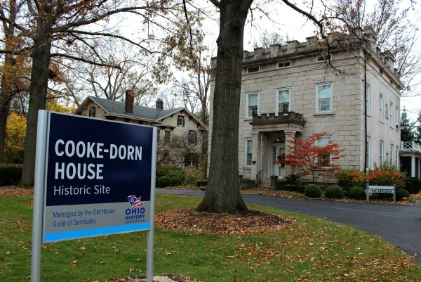 The Cooke-Dorn House in Sandusky Ohio offers free guided tours.