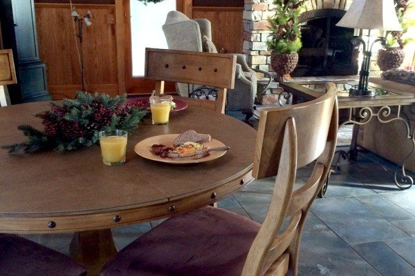 Breakfast in the Great Room at Laurel Run Farm in Hocking Hills