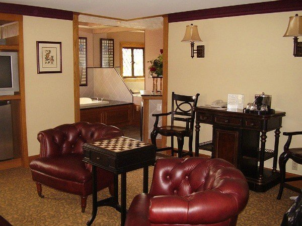 Windsor Suite at Punderson State Park Lodge
