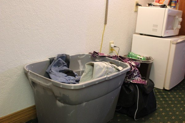 A tub of dirty laundry can make your hotel room smell