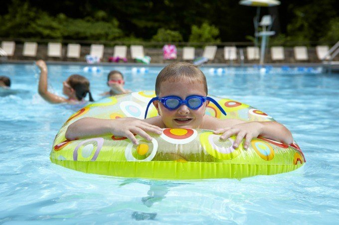 Mohican-Outdoor-pool-with-kids-31-1024x682