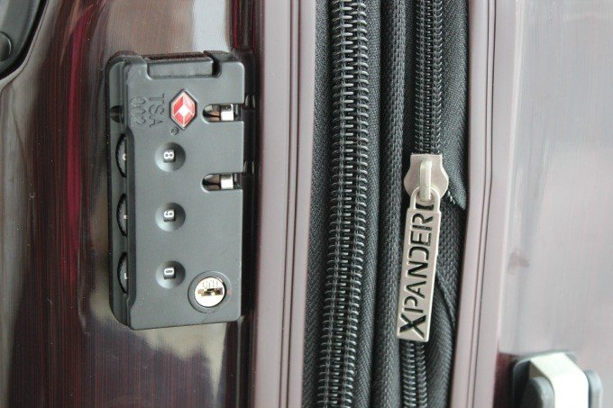 The Ricardo Elite Roxbury 2.0 features a TSA approved combination lock and Xpander to add 2 inches of space.