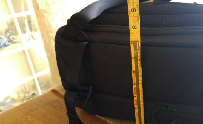 The Incase DSLR Pro Pack measures 20 x 9 x 12.