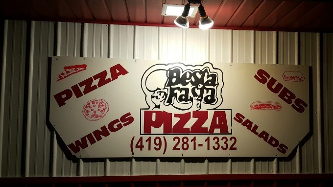 Besta Fasta pizza sign