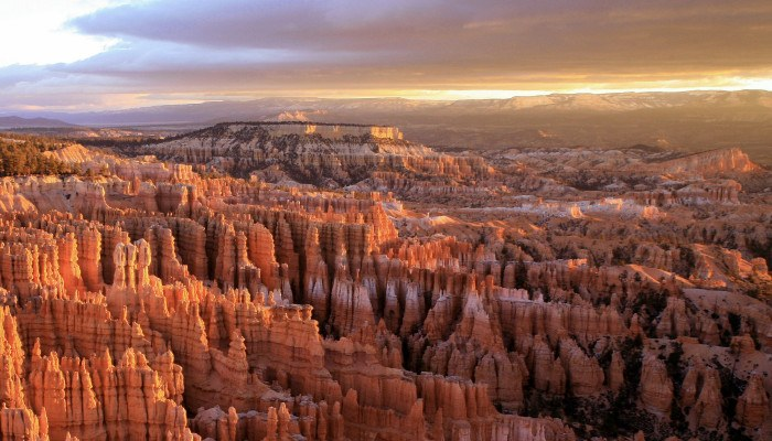 Stargazing, Ghost Towns & Adventure: Bryce Canyon Country and Beyond