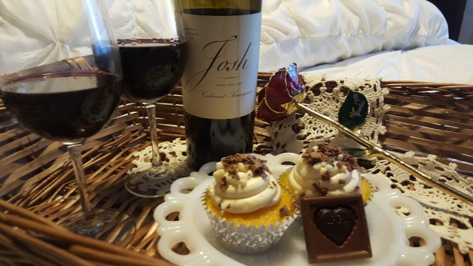 Ghirardelli Cheater Cupcakes and Josh Cellars Wines for a Sweet Pairing for Valentine's Day. #asweetpairing