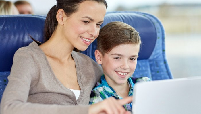 How to Keep your Kids Busy while Traveling Long Distance