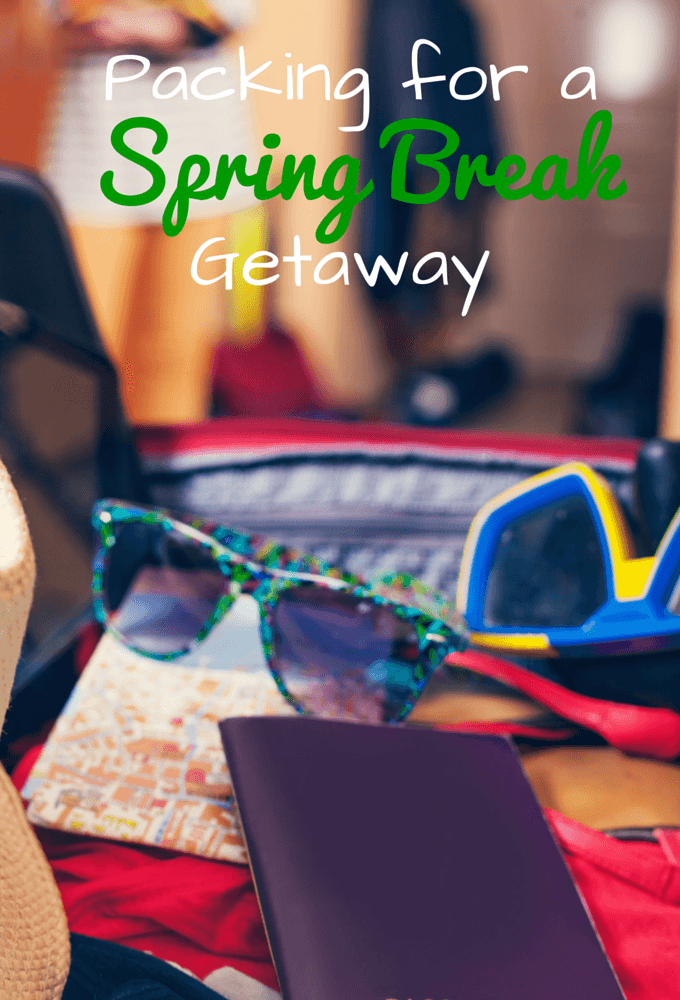 Packing for a spring break getaway is easy with this spring break printable road trip packing list.