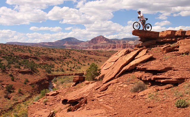 A bike overlooking Capitol Reef Country