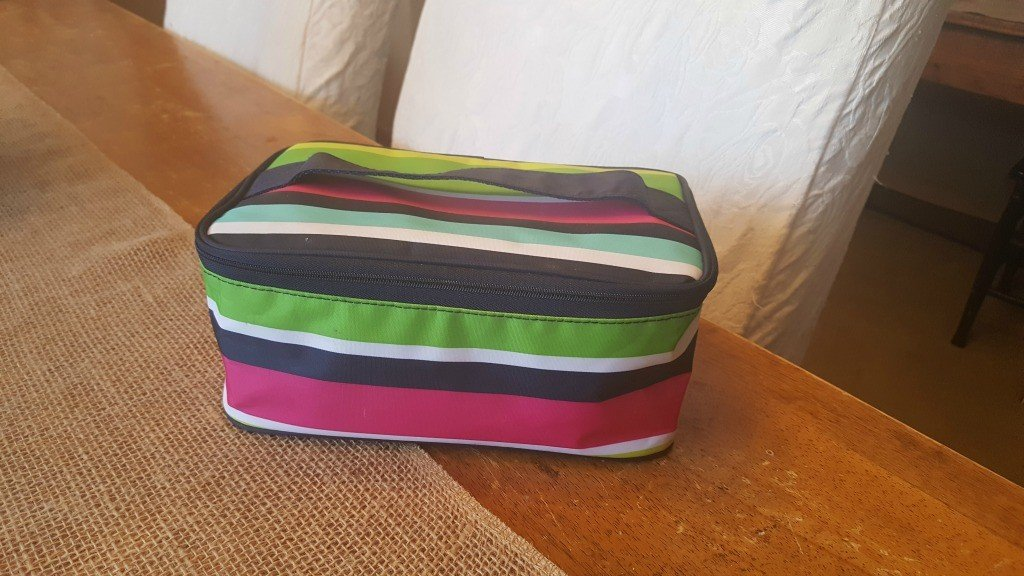 The Glamour Case by Thirty-One Gifts is a great gift idea for travelers.