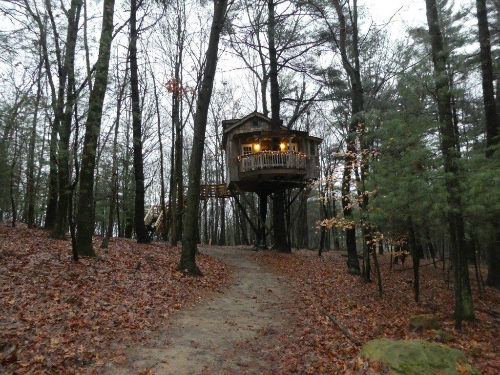 The Old Pine Treehouse at the Mohicans near Glenmont, Ohio provides an amazing opportunity for Glamping.