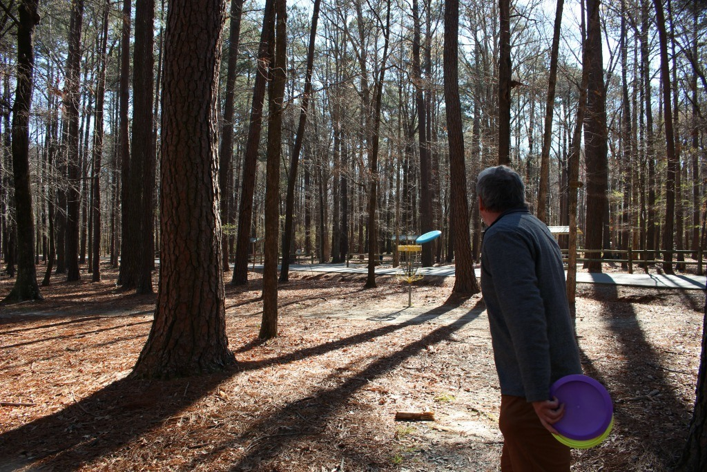 Things to do in Fayetteville North Carolina- Arnette Park for Disc Golf