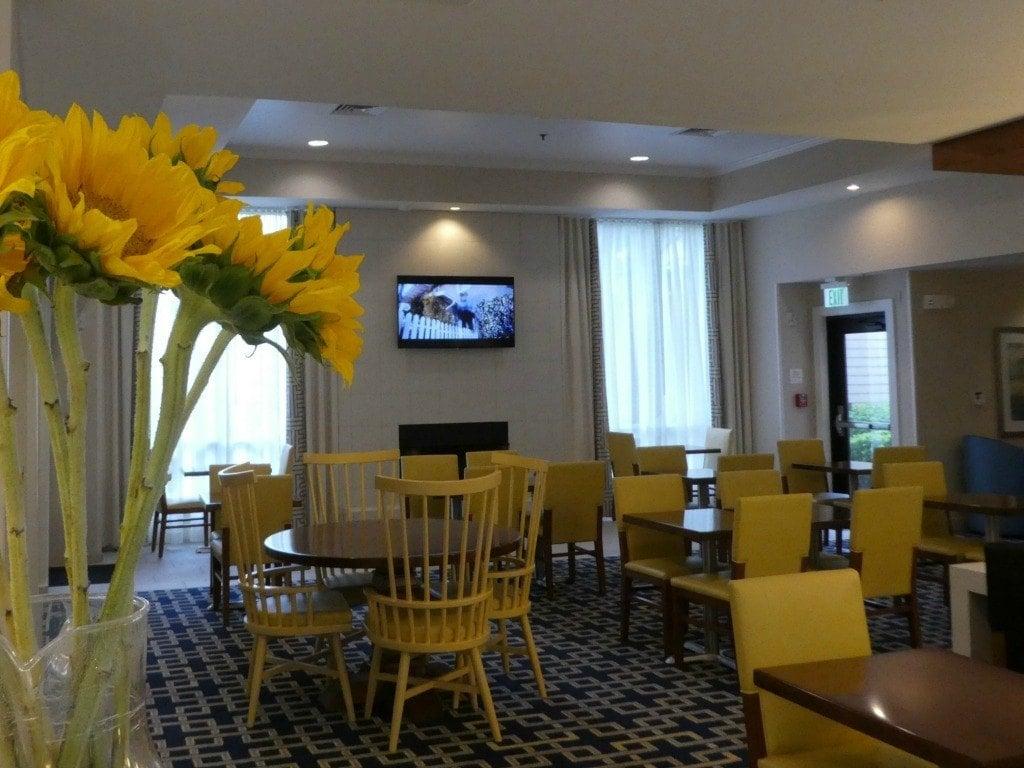 The lobby at the Sonesta ES Suites Dublin