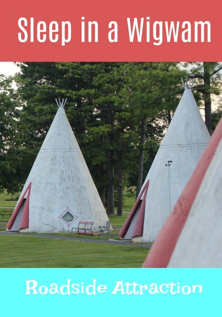 Sleep in a Wigwam roadside attraction