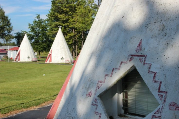 An Overnight Stay in the Ultra-Retro Wigwam Motel in Kentucky