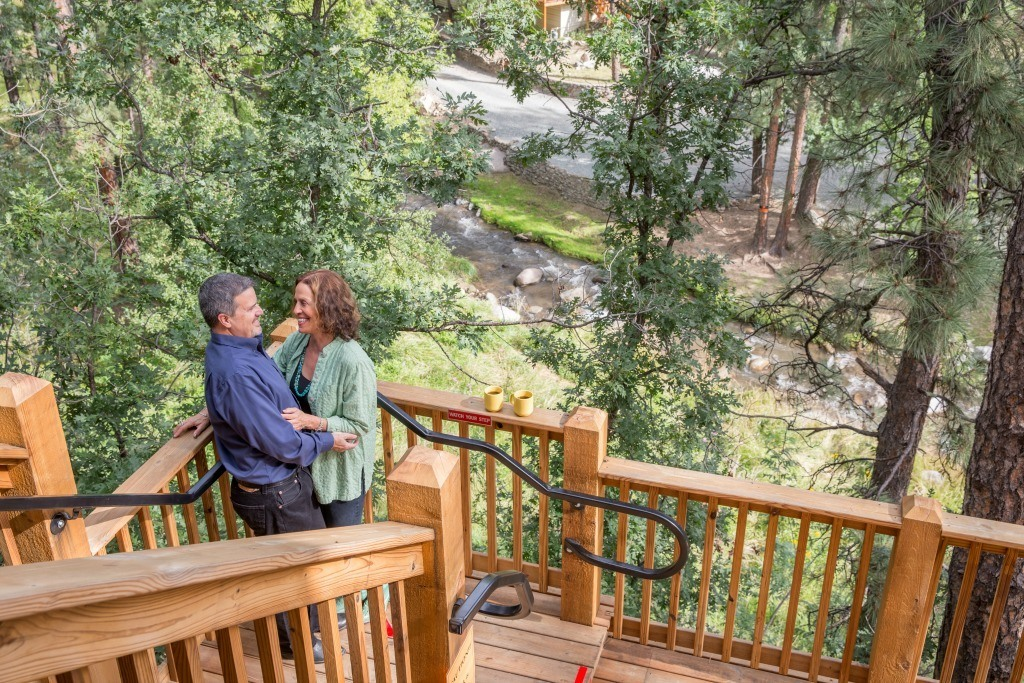 The cabins in Ruidoso, NM feature stunning views of the moutain vistas.