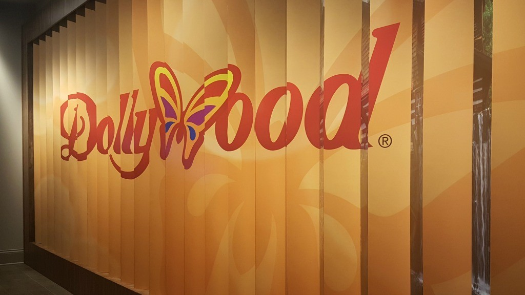 Dollywood sign in DreamMore