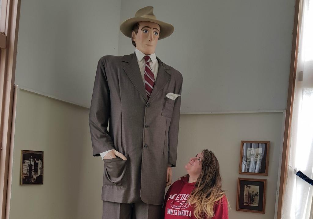 Tallest Man in North Dakota