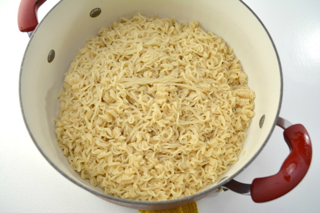 Drain noodles for beef ramon