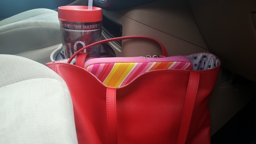 Tote with laptop