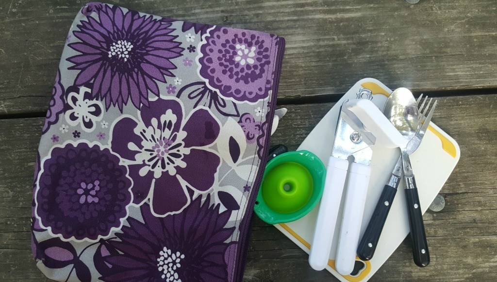 Thirty-one gifts zipper pouch