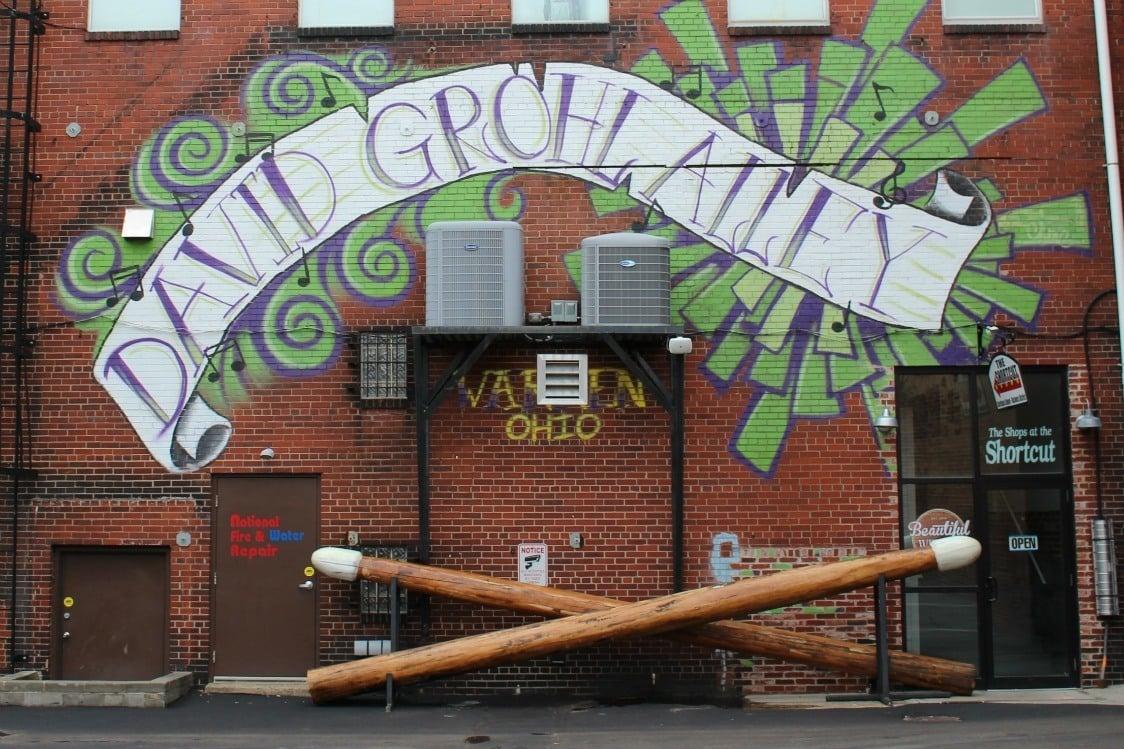 David Grohl drumsticks in Warren