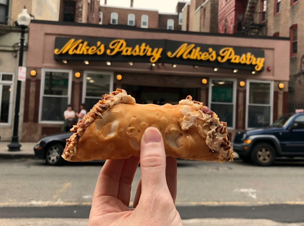 Mike's Pastry in Boston