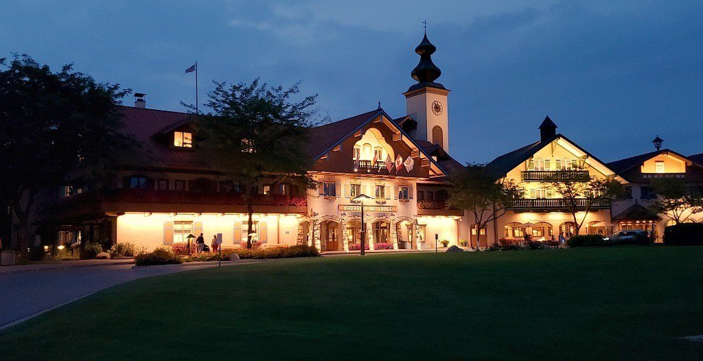 Bavarian Inn Lodge at Night