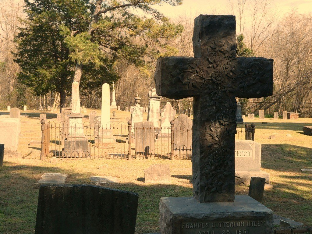 Books To Help You Find Historic Cemeteries To Visit And Understand