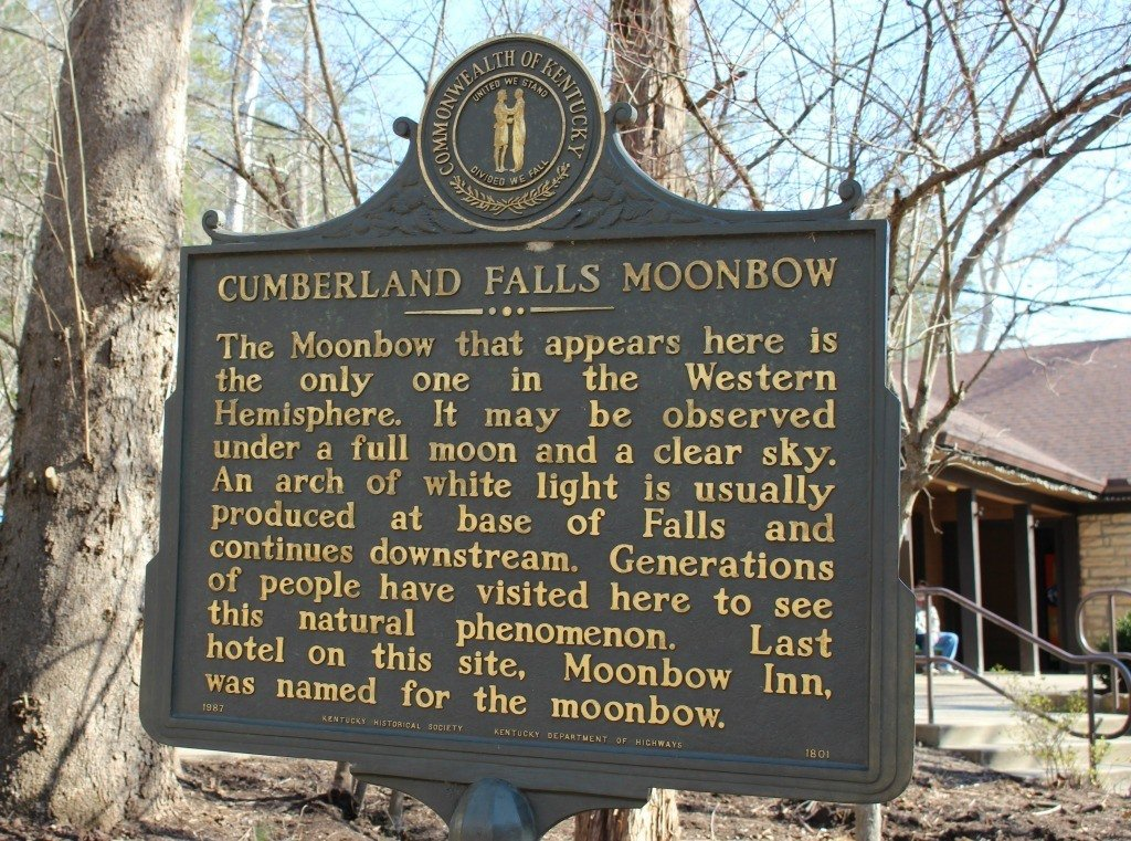 Cumberland Falls is the only location in the Western Hemisphere where a Moonbow can be viewed.