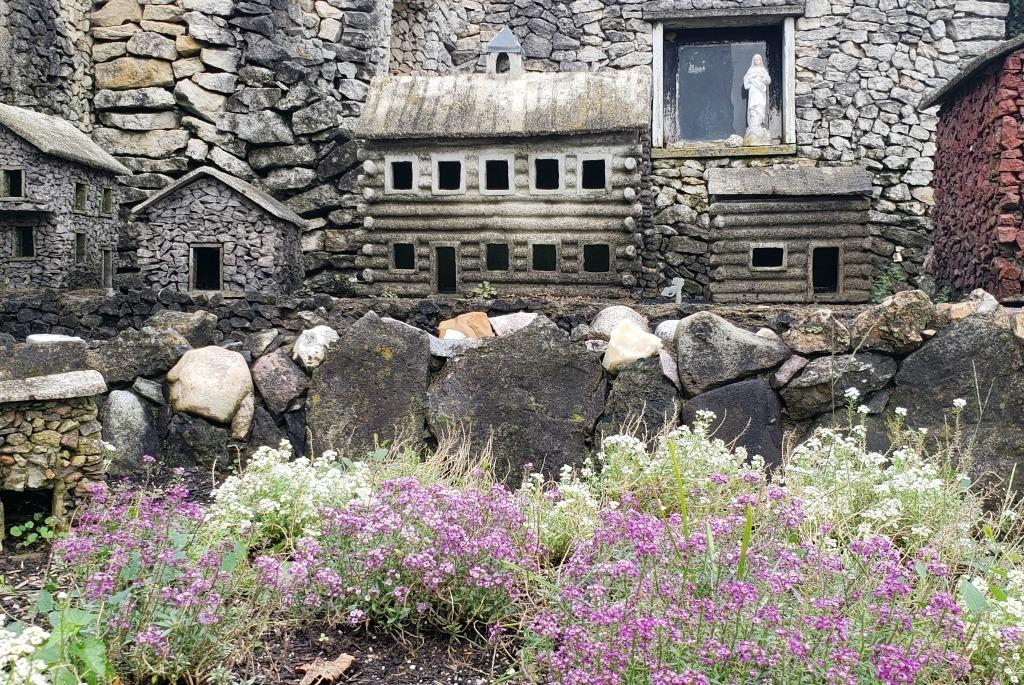 Hartman Rock Garden scene