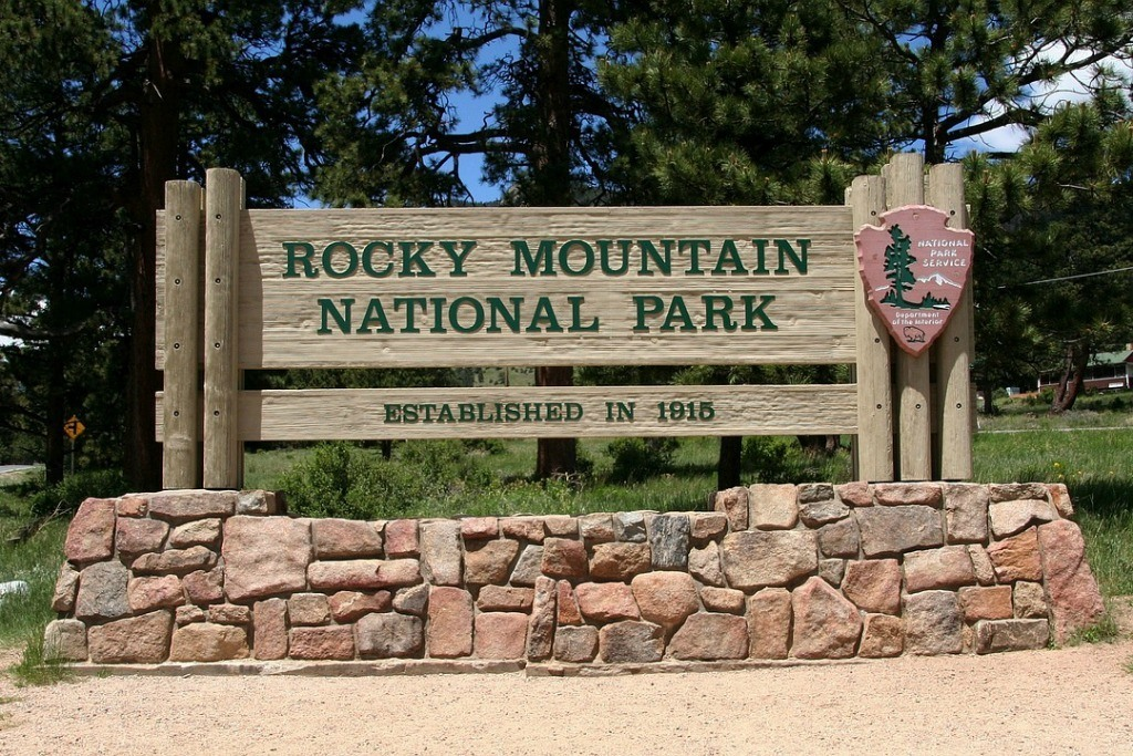 Rocky Mountain National park is one of the best parks in the US to visit in the fall.