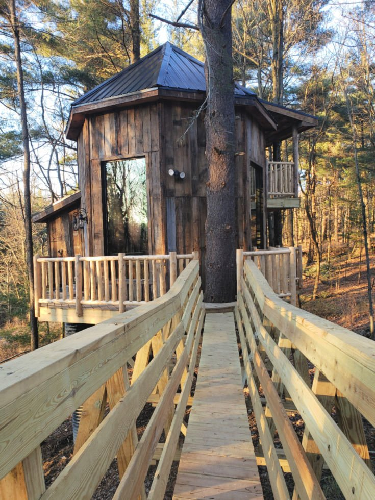 El Castillo is a two-story treehouse located at the Mohicans