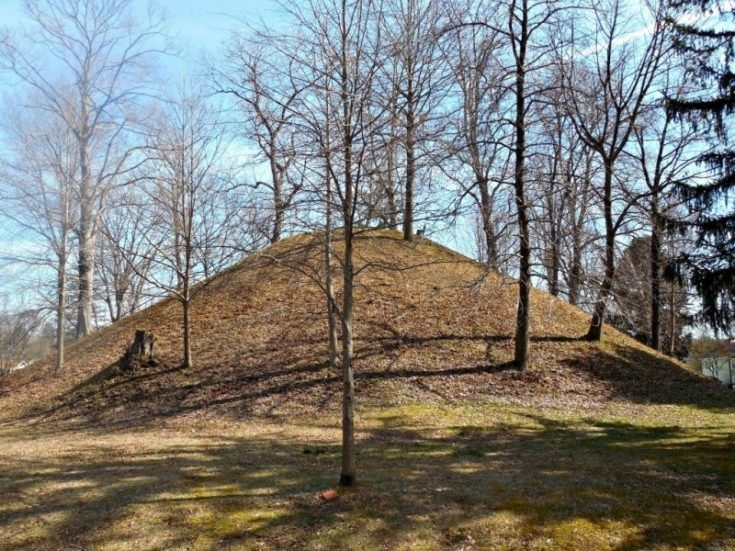 Mound Cemetery and Mortuary Museum