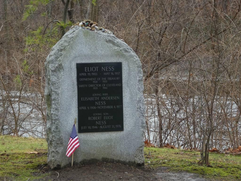 Tombstone of Eliot Ness