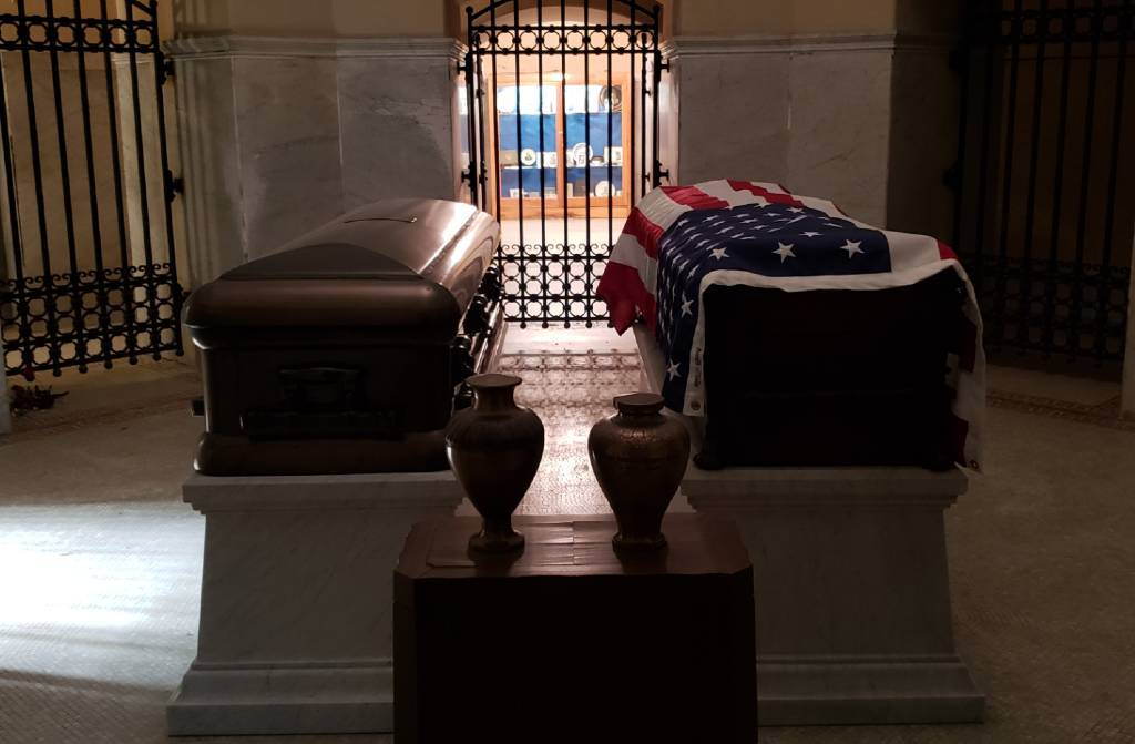 The Coffins of President Garfield and his wife can be viewed in the crypt of the Garfield Monument.