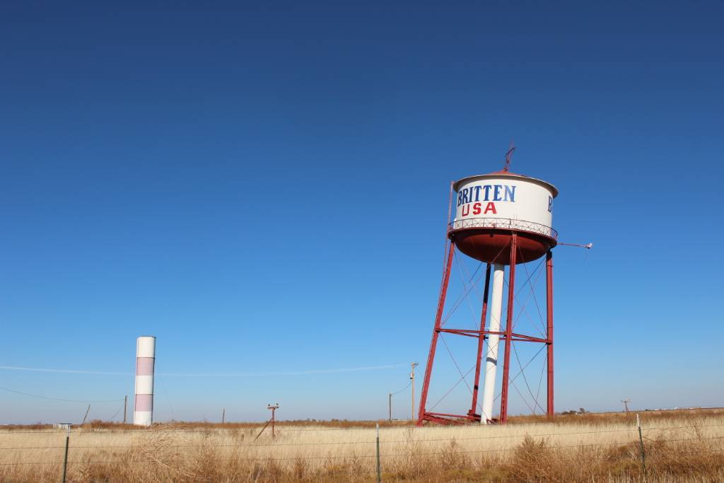 a leaning water tower in Texas