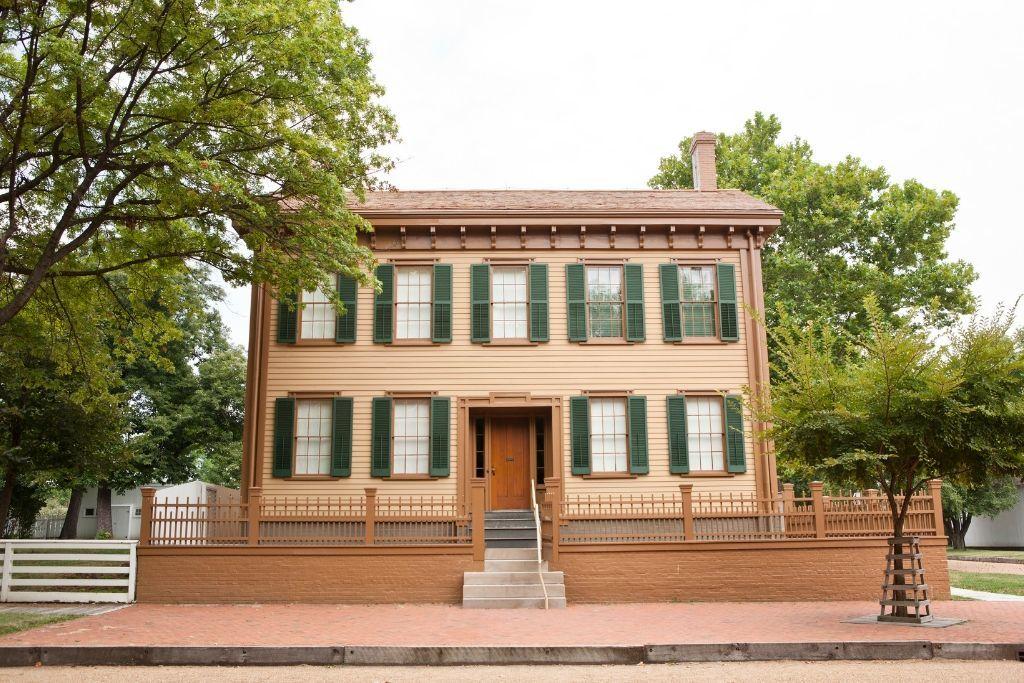 Photo of historic Lincoln Home Springfield Illinois