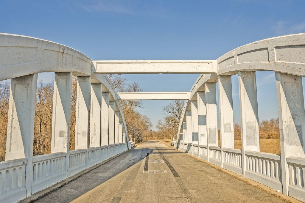 Marsh Arch Bridge along historic Route 66