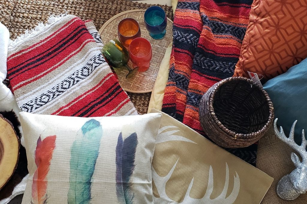 Southwest style pillows, blankets and accessories