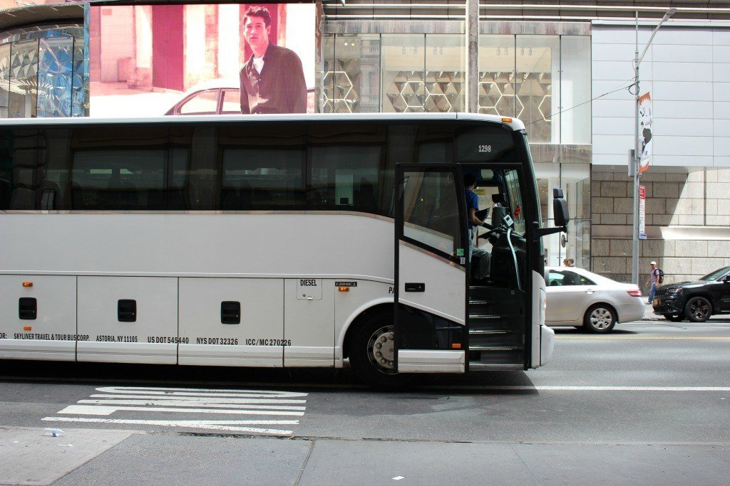 NYC tour bus