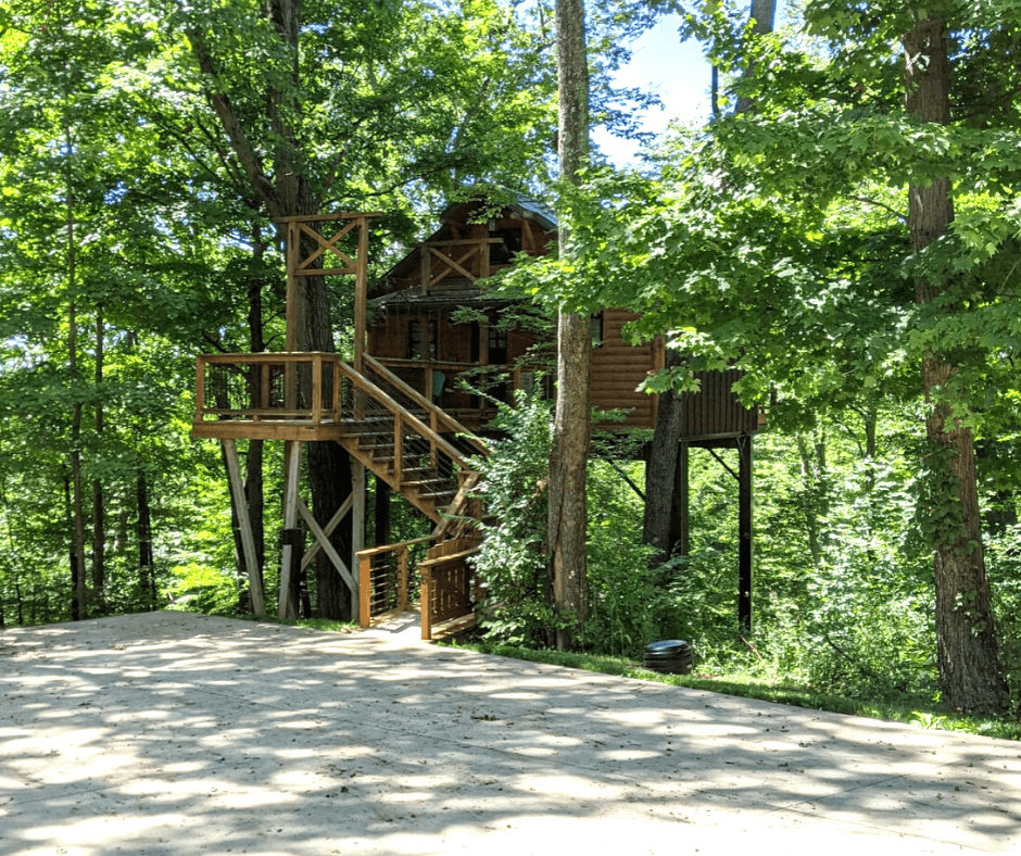 Amish Country treehouse