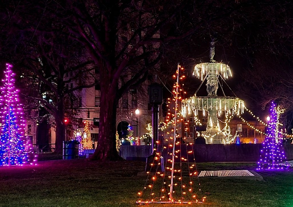 2021 Christmas Light Show In Cleveland Ohio 6 Miles The Best Christmas Lights In Northeast Ohio